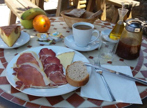 Desayuno en la corona del auteiro
